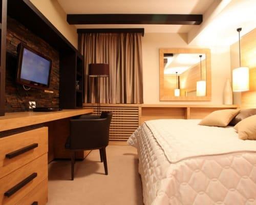 hotel-grand-family-room-01