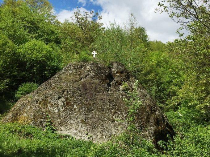 Kameno-seno-i-Savina-voda-selo-Zeradje-HopNaKop-Kopaonik-GLAVNA-1024x818