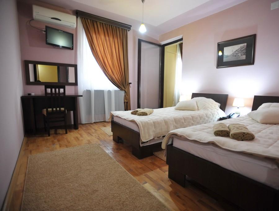 city-hotel (1)