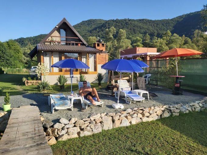 "Vikendica na jezeru ""Drinski konak Stakić"""