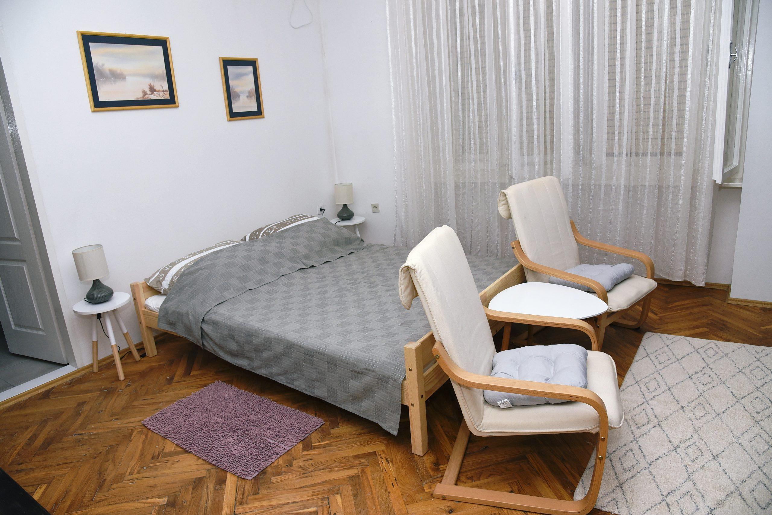 CITADELA – Velika dvokrevetna soba sa privatnim kupatilom