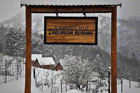 planinsko-selo-dusanovi-konaci-crna-gora (17)