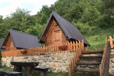 gradine-katun-kamp-crna-gora (12)