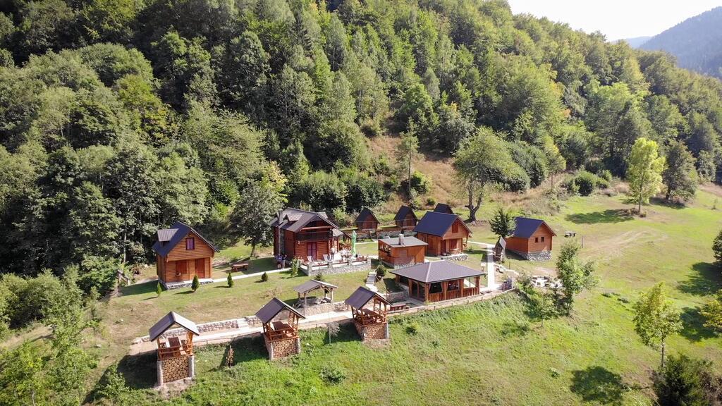 gradine-katun-kamp-crna-gora (14)