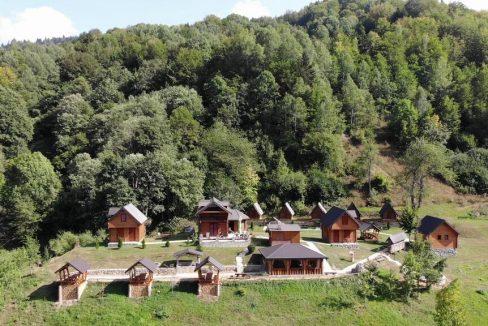 gradine-katun-kamp-crna-gora (17)