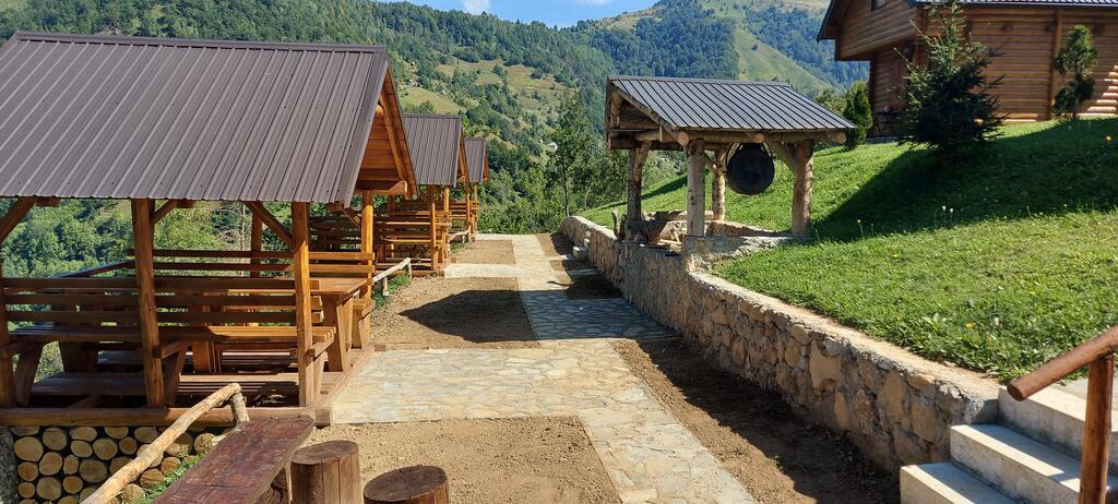gradine-katun-kamp-crna-gora (21)