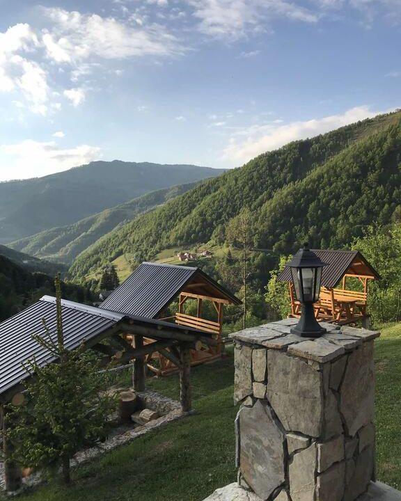 gradine-katun-kamp-crna-gora (8)
