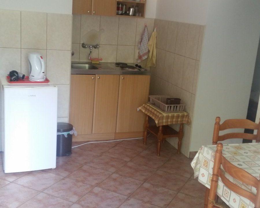 apartmani-georgije-risan-crna-gora (7)